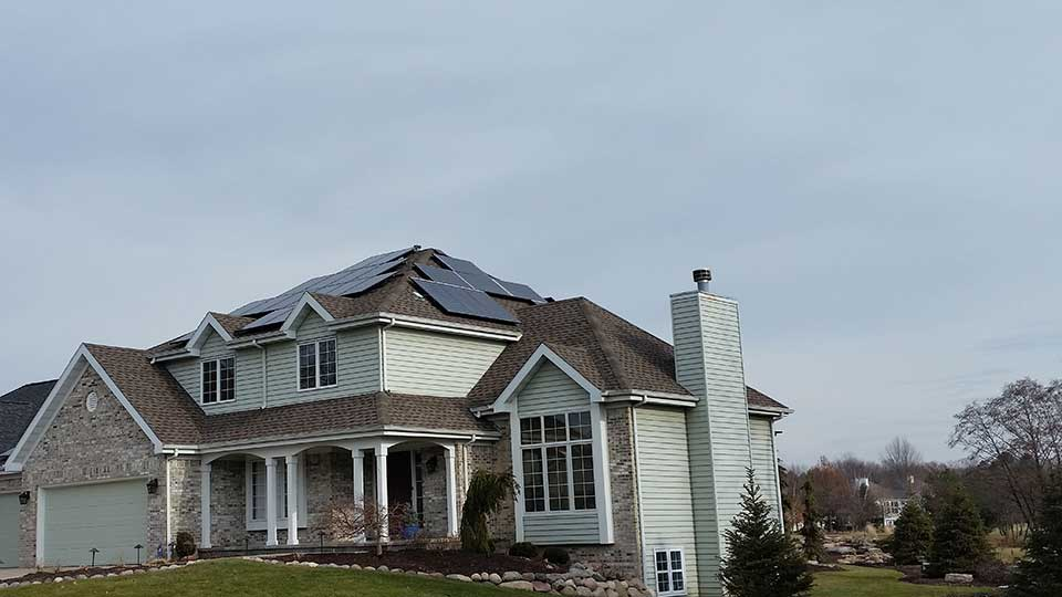 Rockford, IL - 44 Solar Panels